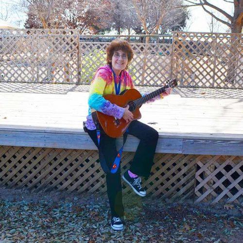 laura guitar1