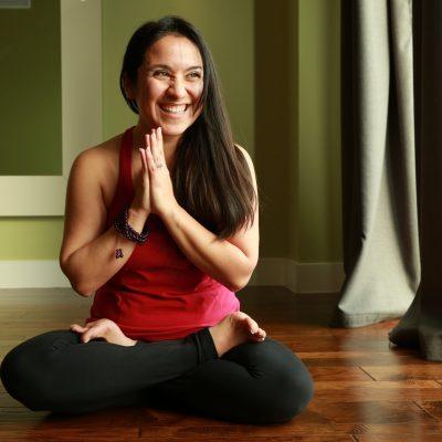 Stefanie Tovar - Sound, Meditate and Chill